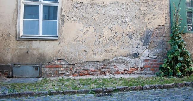 ilustrativní obrázek -jak se zbavit vlhkosti ve starém domě
