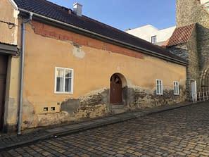 Projevy vzlínající vlhkosti - historický dům